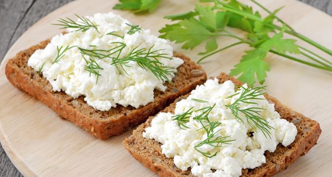 Чем полезен бутерброд с маслом и сыром
